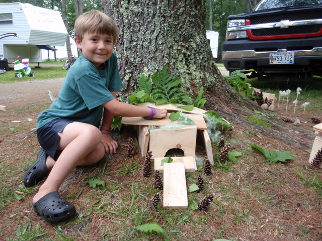 Meet Graham, Saylor's brother.  His Lizard Jasmine shares this house with the fairies and Graham says it's special because it has great leaves and seashells.