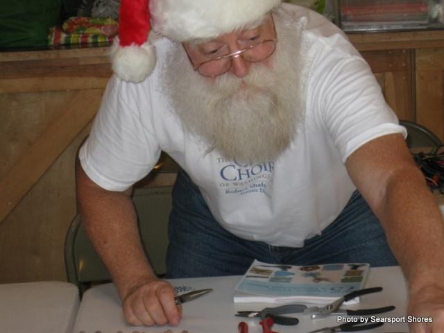 Santa with many talents